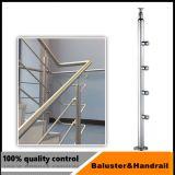 チタニウムおよび紙やすりで磨く終わりのステンレス鋼階段柵の柱