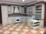 De stevige Houten Deuren van Keukenkasten