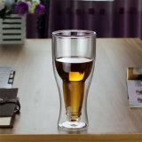 La bière à double paroi en verre de bière en forme de coupe de la bière en verre soufflé Beer Cup fait main