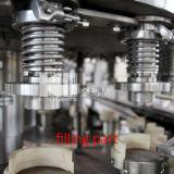水ジュースによって炭酸塩化される飲み物の缶の満ちるパッキング機械