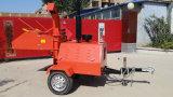 Sfibratore di legno con il motore diesel