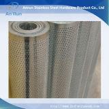 Maille métallique galvanisée et perforée