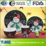 Het ceramische Diner van het Porselein dat voor de Decoratie van Kerstmis wordt geplaatst (ts-009)