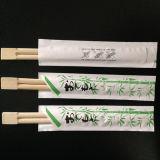 Chopstick desechable con paquete distinto.