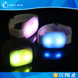 2017 braccialetto attivato suono promozionale del silicone LED che infiamma sul braccialetto chiaro del LED attivato movimento
