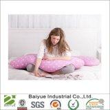 Colore di colore rosa del cuscino di sostegno del corpo di figura di U con i puntini bianchi