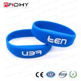 Bracelets d'IDENTIFICATION RF de silicones personnalisés par coutume bon marché