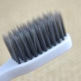 Populäre Entwurfs-Großverkauf-Bambusholzkohle-Borste-erwachsene orale saubere Zahnbürste