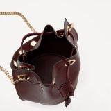 Nuovo sacchetto di Drawstring della signora Fashion PU di disegno con la maniglia lunga della catena del metallo