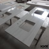 Surface solide de haute qualité d'un comptoir de cuisine