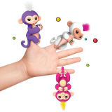 新しい! FingerlingsのSophieの赤ん坊猿対話型ペットおもちゃの白