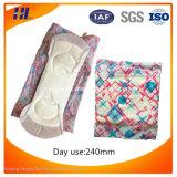 Imballaggio di plastica per il tovagliolo sanitario donne molli popolari/dei rilievi sanitari
