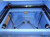 CO2 Laser-Glasstich-Ausschnitt, der Maschine schnitzt