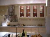 Gabinete de cozinha de madeira dos projetos do gabinete de cozinha da madeira contínua (JX-KCSW001)
