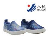 chaussures de toile supérieures lavées par mode d'enfants de denim avec la décoration Bf161053 de Sequin