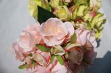결혼식 훈장 도매업자를 위한 가짜 꽃이 분홍색 실크 인공적인 로즈에 의하여 꽃이 핀다