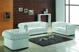 Sofà moderno bianco di Chesterfield con cuoio legato per il sofà domestico