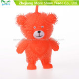 Illuminare in su il giocattolo di plastica molle del capretto della sfera dell'orso del punto