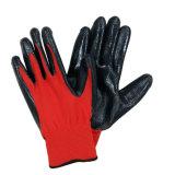 Il nitrile del poliestere ha ricoperto il guanto del lavoro di sicurezza dei guanti