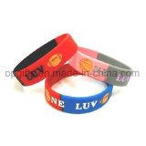 Le silicium fait sur commande folâtre le bracelet de sports de bracelet