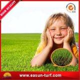 Трава лужайки дерновины синтетическая для ландшафта напольного