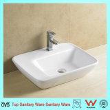 Bassin van het Toilet van de Kwaliteit Hight van de Fabrikant van China het Ceramische