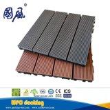 L'Europe Standard composite de bois anti-UV WPC DIY Flooring tuile de verrouillage