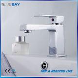Mezclador de cobre amarillo del cuarto de baño palanca confiable de la calidad de la sola
