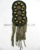 Distintivo degli accessori della catena del metallo bordato annata della zona di spalla di motivo di Applique