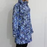 Impermeable impermeable encapuchado de la PU de la flor azul