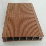 Decking composé en plastique en bois pour des usages de construction