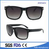 2017 gafas de sol polarizadas manera de los diseñadores con insignia modificada para requisitos particulares