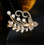 Europa Fashion Style AAA Cubic Zircon & Shell Broche Perlas Retro Cruz Brooch Joyas