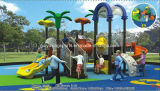 Kind-Gymnastik-im Freienspielplatz-Gerät