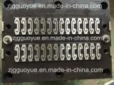 Инструмент положил в машину прокладки теплоизолирующей прокладки прессуя