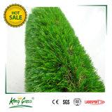 La sensibilità morbida durevole mette in mostra l'erba artificiale della pavimentazione per il campo di calcio