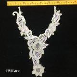 lacet Hme935 d'encolure de lacet de collier brodé par or élégant de forme de v de 29*38cm beau