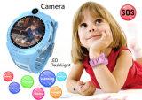 Ronda más calientes de la belleza de la pantalla Color Kids Tracker GPS Reloj inteligente