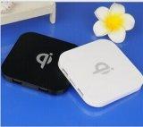 Caricatore senza fili di carico senza fili di vendita caldo del rilievo certificato Qi velocemente