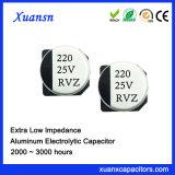 Condensador electrolítico de aluminio de la viruta caliente de la venta 220UF 25V