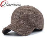 La ropa gorra de béisbol con la costumbre de parches de cuero y hebilla de metal