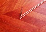 Suelo africano dirigido del entarimado de Padauk Chevron del palo de rosa--Rojo