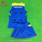 女性のためのHealongの青および白いカスタマイズされたテニス服のスカートの衣服
