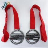 3D旧式な銀はマラソンの金属のトロフィメダルのあたりでカスタマイズする