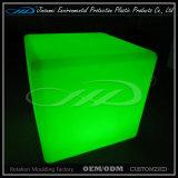LLDPE物質的な回転形成のプラスチック現代屋内LEDの立方体の椅子