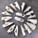Stock Matériel de chaussures PU pour femme