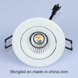 La MAZORCA ajustable LED del proyector 9W del estándar del mercado de la UE abajo se enciende