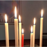 weiße Kerzen des Haushalts-22g zum Benin-Markt