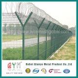 Recubierto de PVC galvanizada malla soldada al aeropuerto con la valla de alambre de navaja