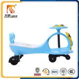 Conduite sur le véhicule rouge en plastique d'oscillation de bébé de véhicule pour des gosses